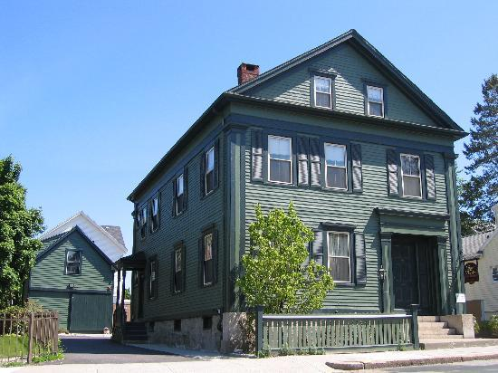 9. Borden House - Fall River, Massachusetts Borden House is a B&B known for its bloody history. It was the scene of one of America's most notorious murder cases - the Lizzie Borden case. On the 4th of August, 1892, Abby and Andrew Borden were murdered with an axe in their home. Sustaining a substantial 29 blows, the couple's daughter, Lizzie, was found responsible despite lack of evidence. These days, you can rent out Lizzie's bedroom or her parent's bedrooms for the evening, eat the breakfast that served as their last meal in that very kitchen, or even get married in the room they met their demise.